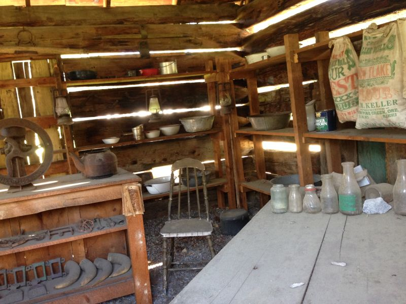 NO. 14 CRESSLER AND BONNER TRADING POST- Interior