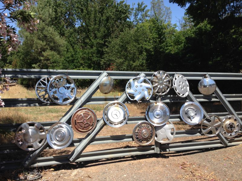 NO. 939 Litto's Hubcap Ranch- Front Gate
