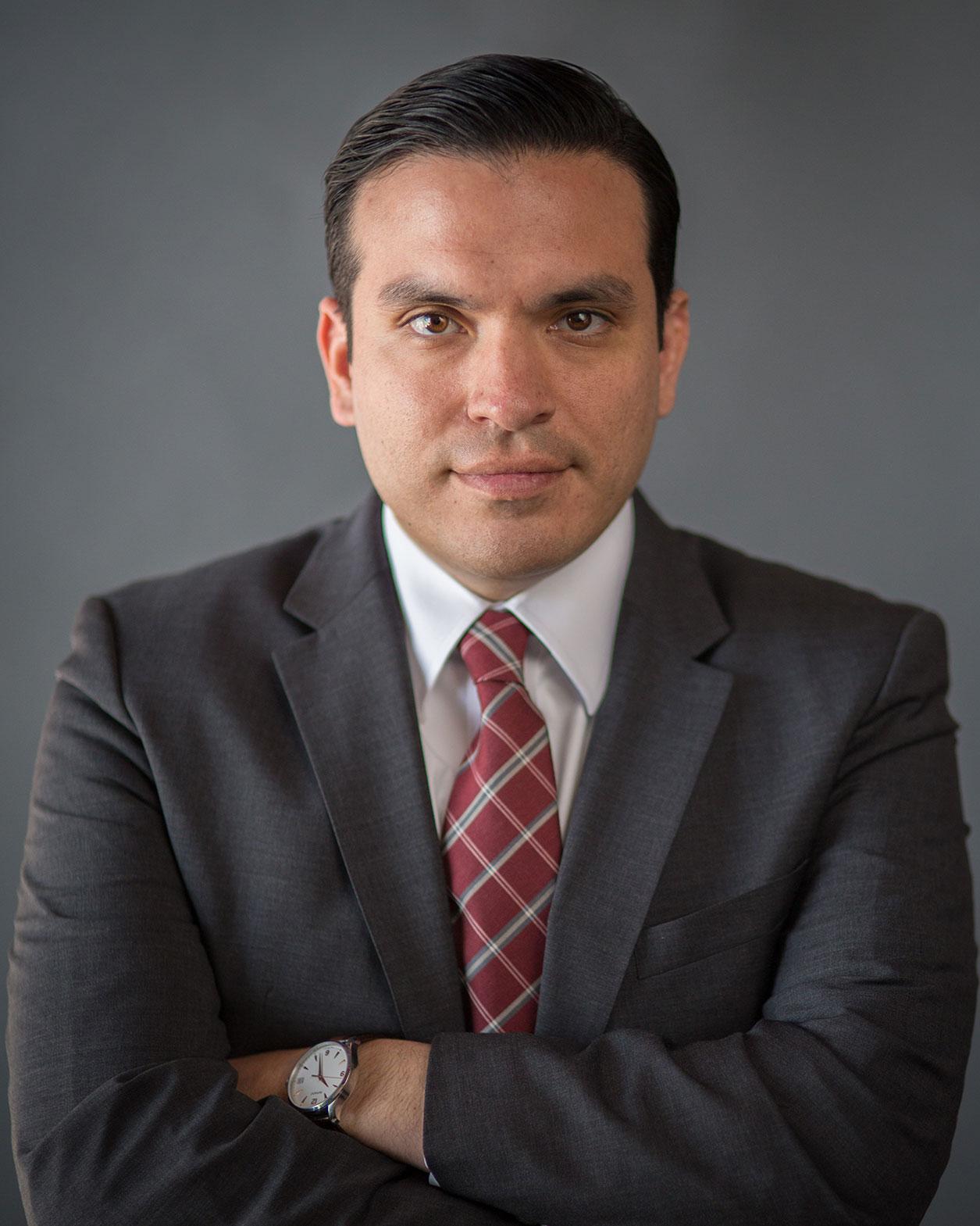 Oscar Castañeda Lawyer Profile Pic