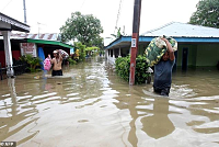 17 dead and thousands displaced after...
