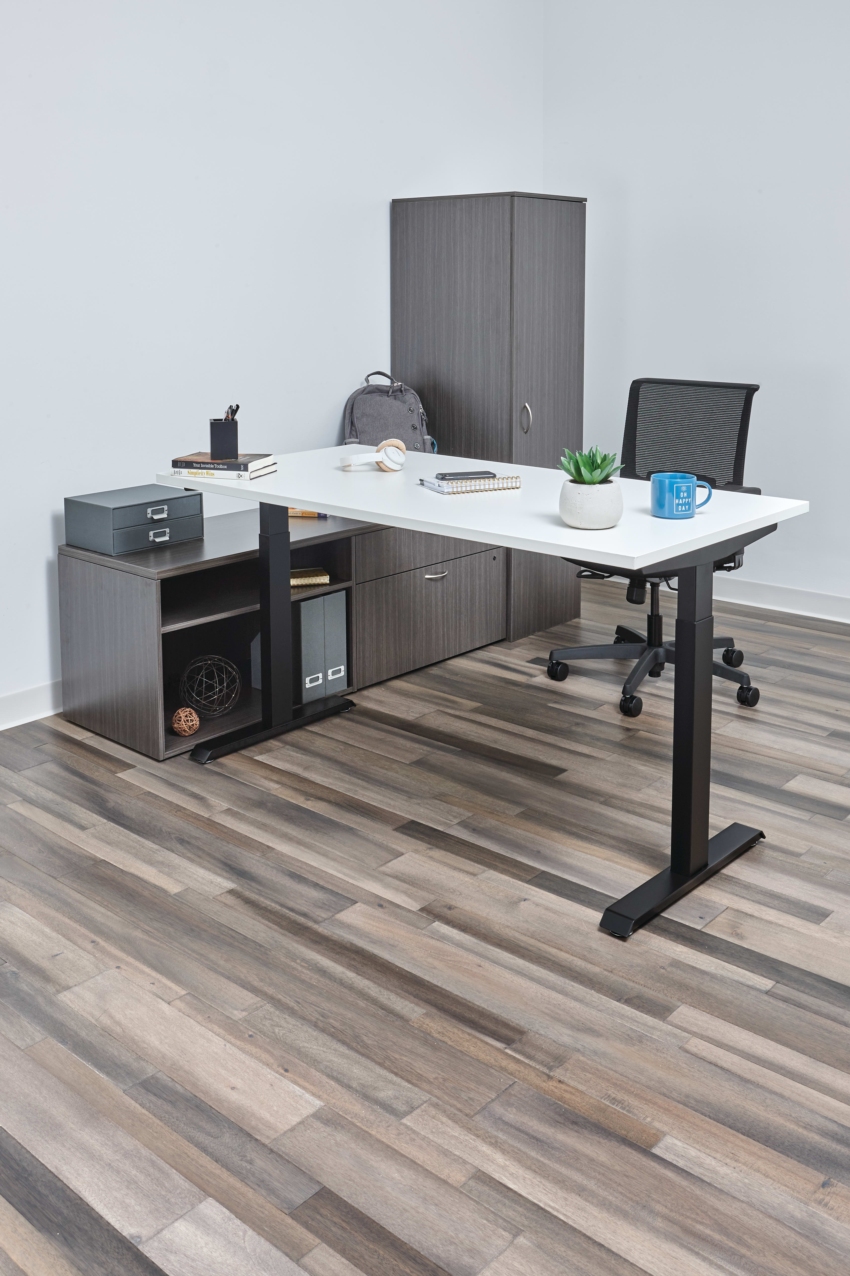 Mod desk in Slate Teak laminate with Coordinate height adjustable table and Convergence seating.
