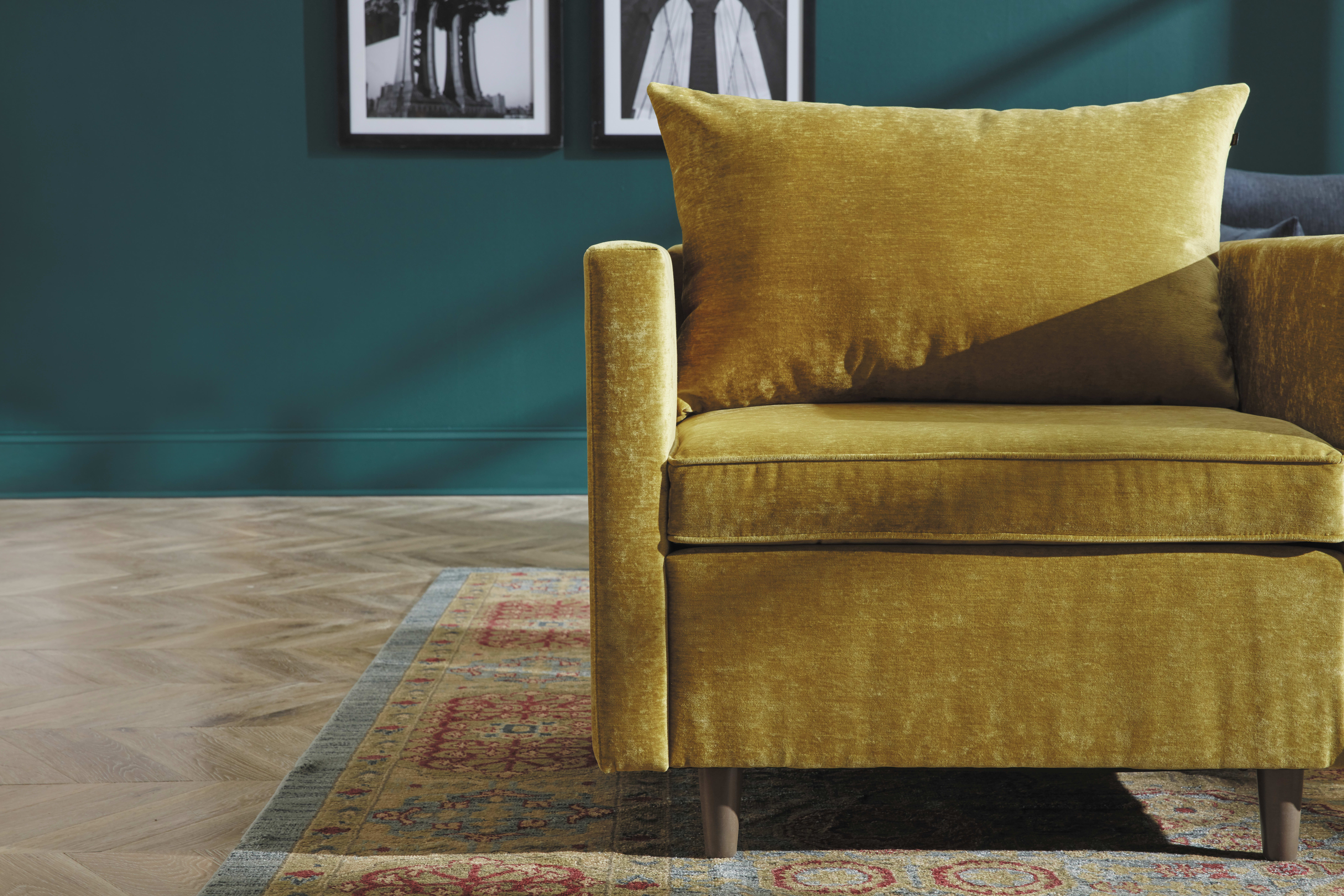 HON West Hill Room Scene with Lounge Pillow Cushions