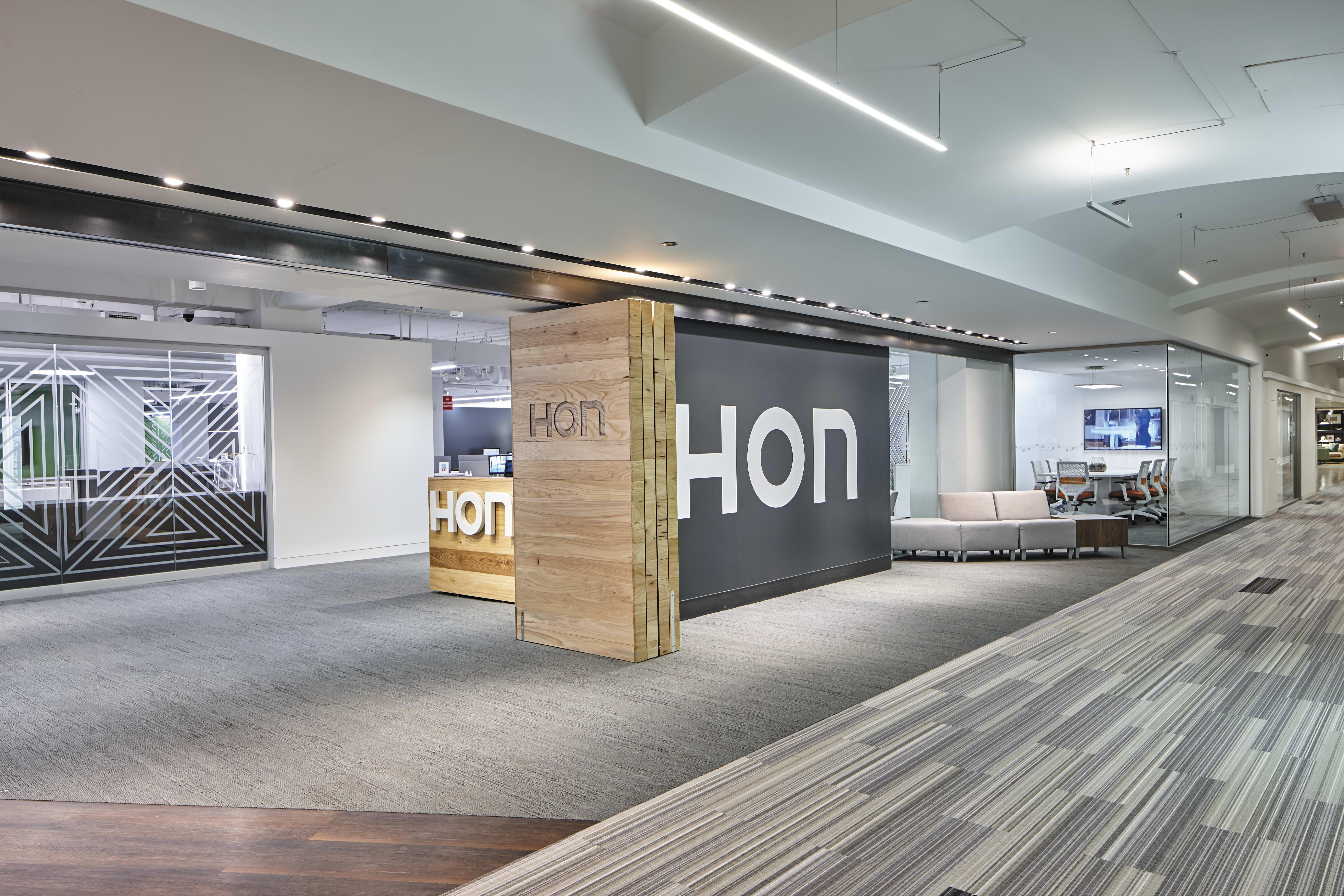 HON-ChicagoShowroom-NeoCon2018-029