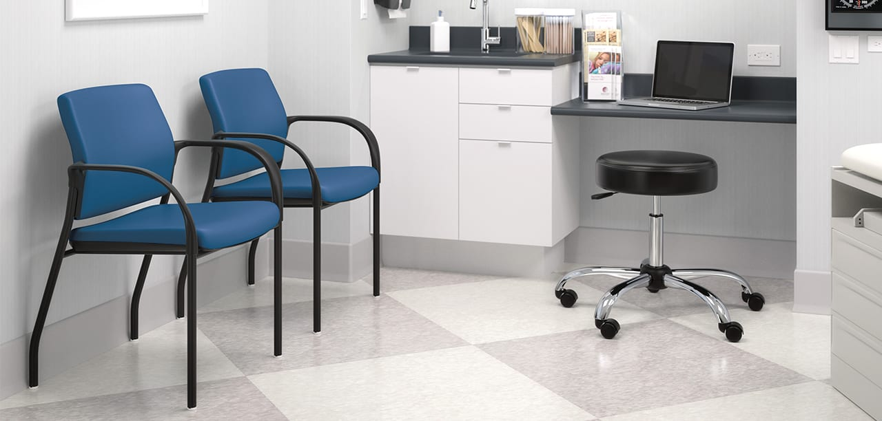 2_Healthcare_PatientConsulting_Exam Room_Igntion_MedStool