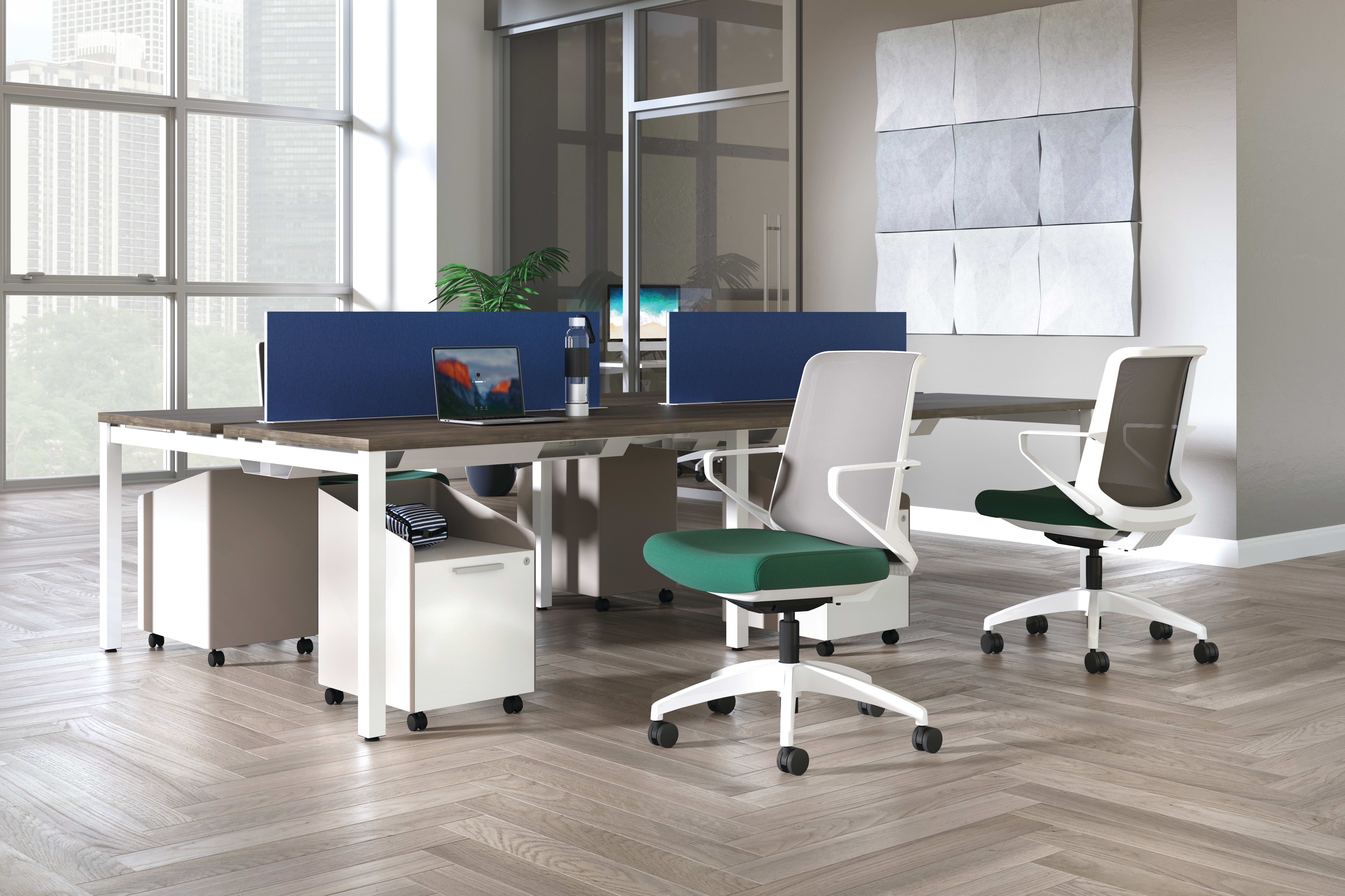 Cliq chairs with Empower workstations and Fuse pedestals.