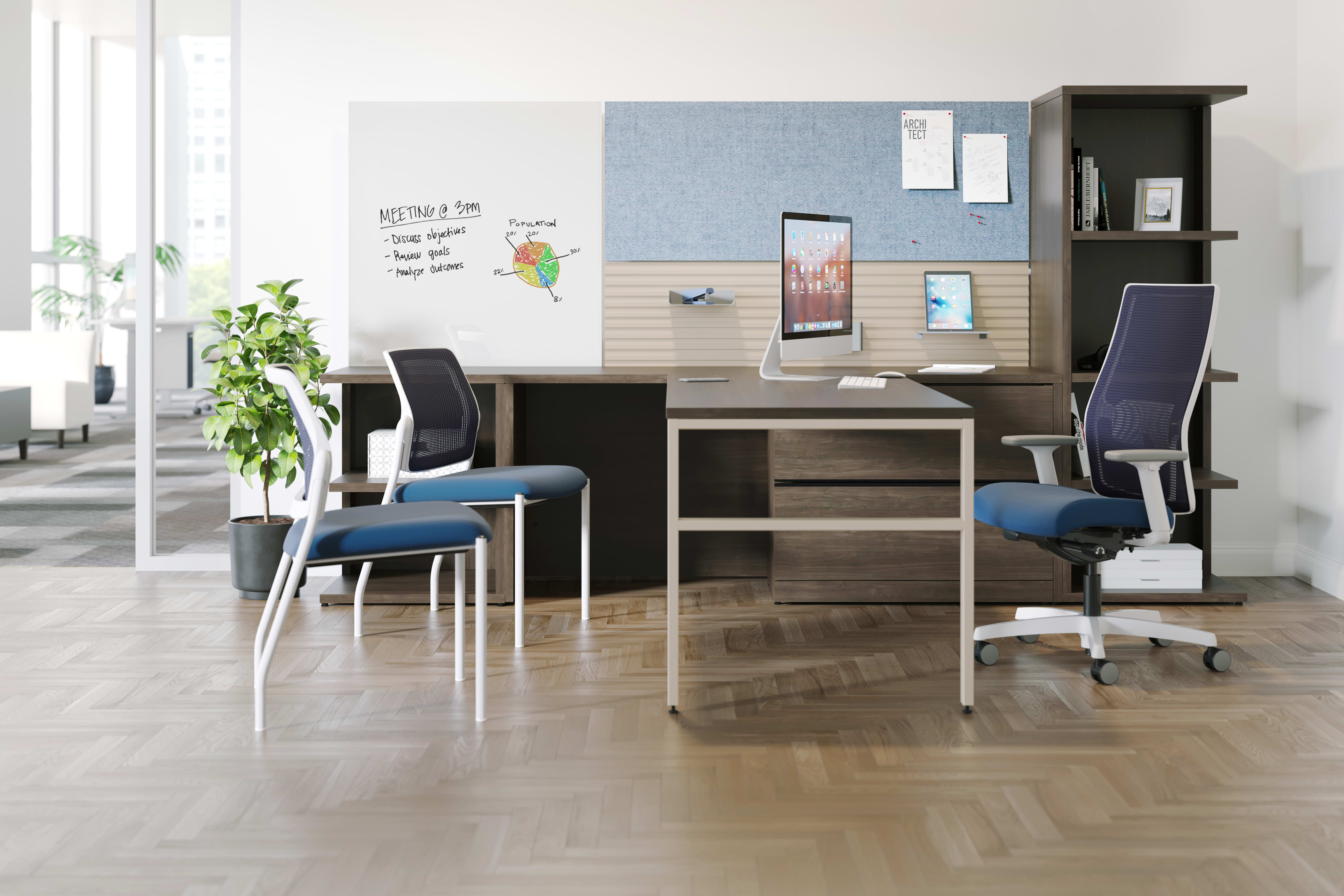 10500 Series Desk with Workwall tiles and Ignition seating