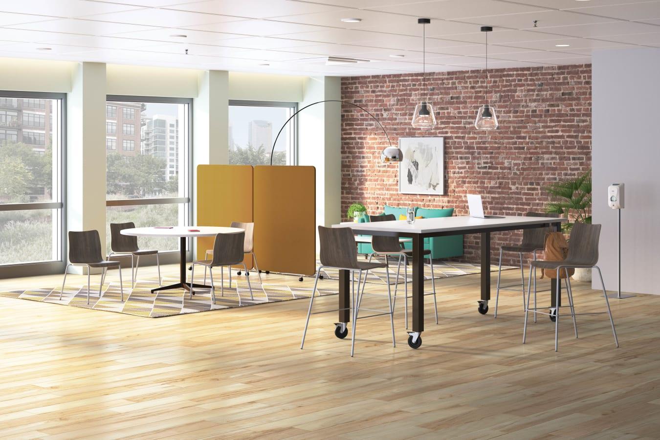 HON/Chairs/Ruck/HON-Ruck-Preside-500-002