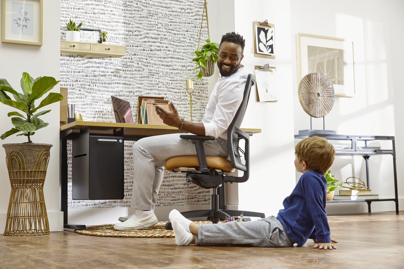 HON/Marketing%20Resources/hon.com/Research-Insights/HON-Blog-Ergonomics-Matter-Home-In-Office-001