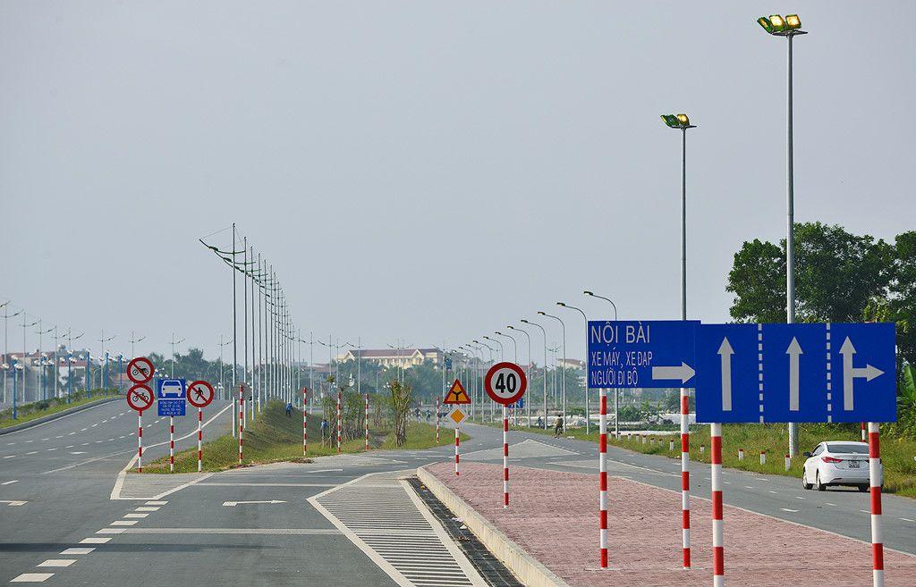 Đường Võ Nguyên Giáp - xe đi Nội Bài đúng giờ
