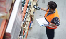 what is a shipping clerk