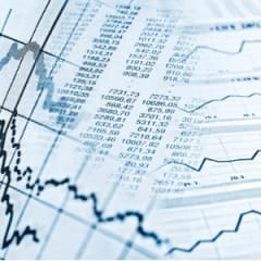 Financial Analyst Thumbnail