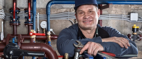 A pipefitter is trained in organizing, assembling, and maintaining mechanical piping systems that must withstand high pressure. These systems are usually industrial, include heating and cooling systems, and involve work with steam, ventilation, hydraulics, chemicals, and fuel.