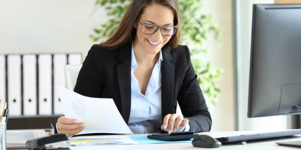 A money manager is someone who helps clients look after their investments and suggests ways in which to grow the investments so that the clients can reach their financial goals.