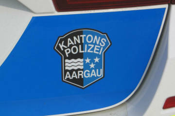A3/Hornussen AG - Auto gegen Leitplanke geprallt - Zeugenaufruf