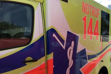 Steinerberg SZ -  Rollerfahrerin bei Selbstkollision verletzt