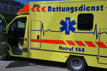 Zürich ZH - Schwer verletzte Fussgängerin nach Unfall im Spital verstorben