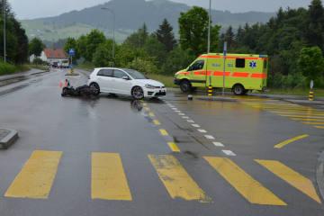 Waldstatt AR - Verkehrsunfall zwischen Personenwagen und Motorrad