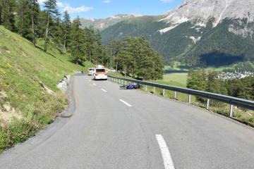 La Punt Chamues-ch GR - Verkehrsunfall mit zwei beteiligten Motorrädern