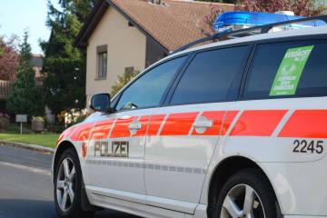 Gersau SZ - Zwei Automobilisten bei Auffahrtskollision verletzt