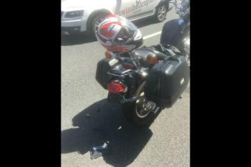 Näfels GL - Auto auf Motorrad aufgefahren