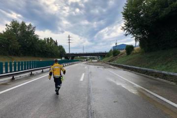 Wil SG - Autobahn A1 infolge Überschwemmung gesper...