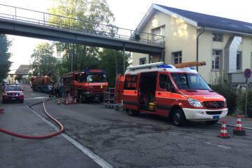 Niederuzwil SG - Betonwasser fliesst in Uze-Bach