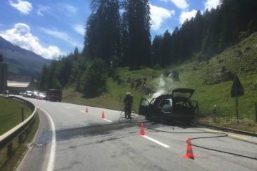Churwalden GR - Auto brennt komplett aus