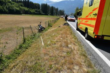 Landquart GR - Motorradfahrer kollidiert mit Wildschutzzaun