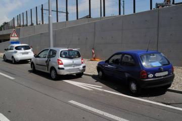 Neuhausen am Rheinfall SH - Auffahrkollision zwischen drei Autos