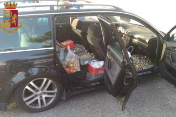 550 Kilo gestohlene Schlösser im Auto - Auto ist Polizei aufgefallen