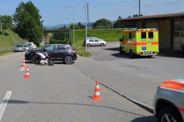 Waldstatt AR - Verkehrsunfall zwischen Roller und Auto