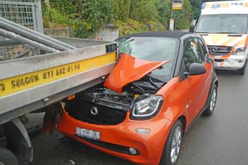 Weinfelden TG - Autofahrerin prallt in Lieferwagen