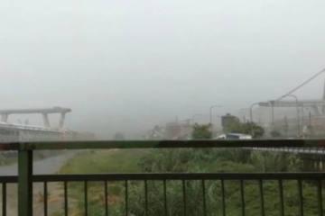 Eilmeldung - Autobahn-Brücke bricht in Genua (IT) ein