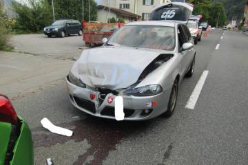 Bilten GL - Drei Fahrzeuge in Unfall verwickelt