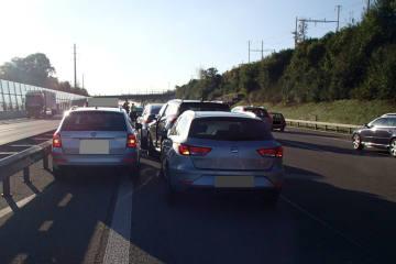 A1/Spreitenbach AG - Hoher Sachschaden nach Auffahrkollisionen