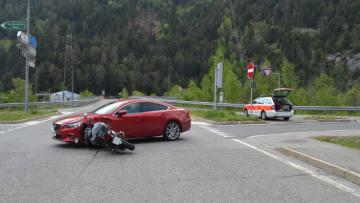 Unfälle in Mittelbünden - Töfffahrer schwer verletzt
