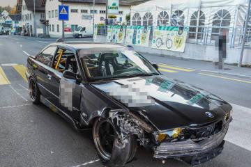 Illnau ZH - Autolenker verursacht Selbstunfall