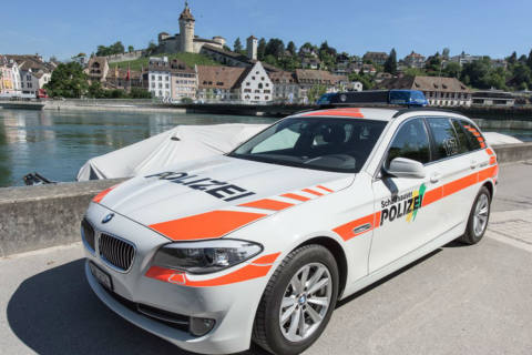 Stadt Schaffhausen SH - PolizeischülerInnen meistern Abschlussübung mit Bravour