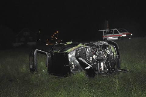 St. Margrethen SG - Auto überschlägt sich – Zeugenaufruf