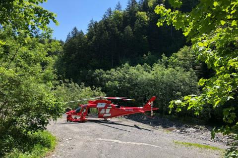 Schweiz - Rega an Pfingsten für verunfallte Freize...