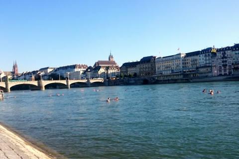 Mit richtigem Verhalten zum sicheren Schwimmvergnügen im Rhein