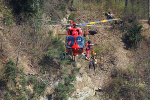 Rega-Einsatz mit Rettungswinde auf der Lägern
