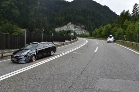 Andeer GR - Verkehrsunfall fordert mehrere Verletzte