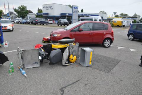 Bellach SO - Rega nach Crash zwischen Auto und Kleinmotorrad im Einsatz