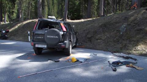Auto überschlägt sich in Lenzerheide mehrmals