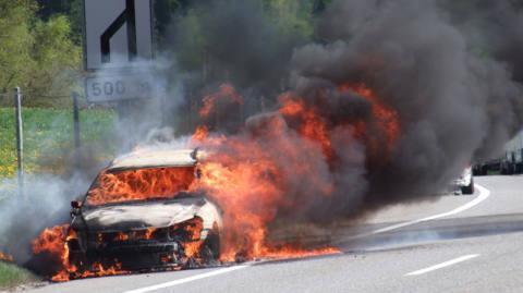 Flammeninferno auf der A13 bei Andeer
