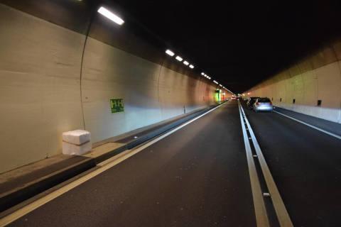 Tunnel Lopper / Alpnachstad OW - Auffahrkollisionen im Morgenverkehr