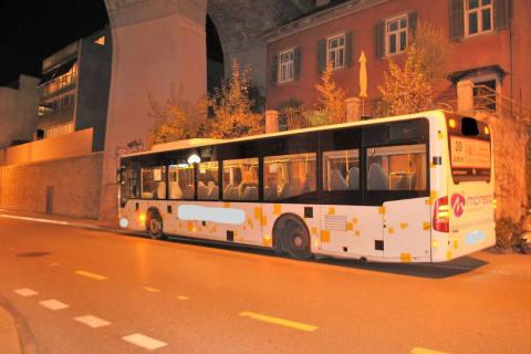 Schaffhausen SH - Linienbus verliert während Fahrt das Rad - Zeugenaufruf