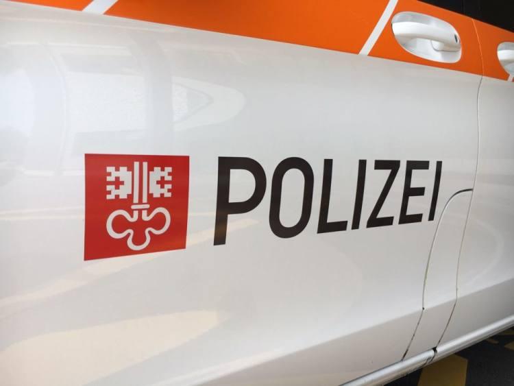 Oberdorf NW - Sachschaden durch Brand in Altpapiercontainer