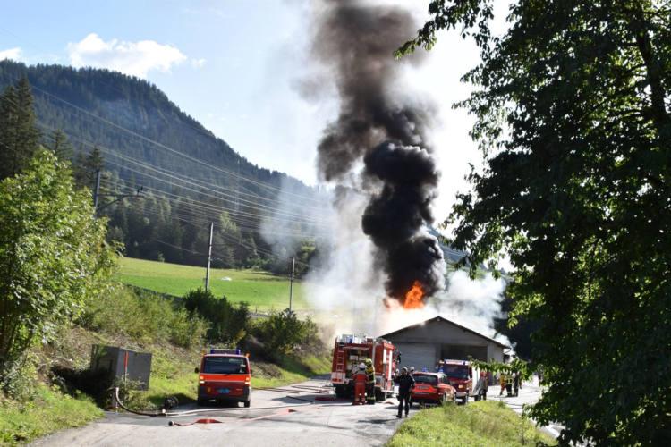 Albula/Alvra GR - Grosses Feuerwehraufgebot wegen Brand von Dieseltanks